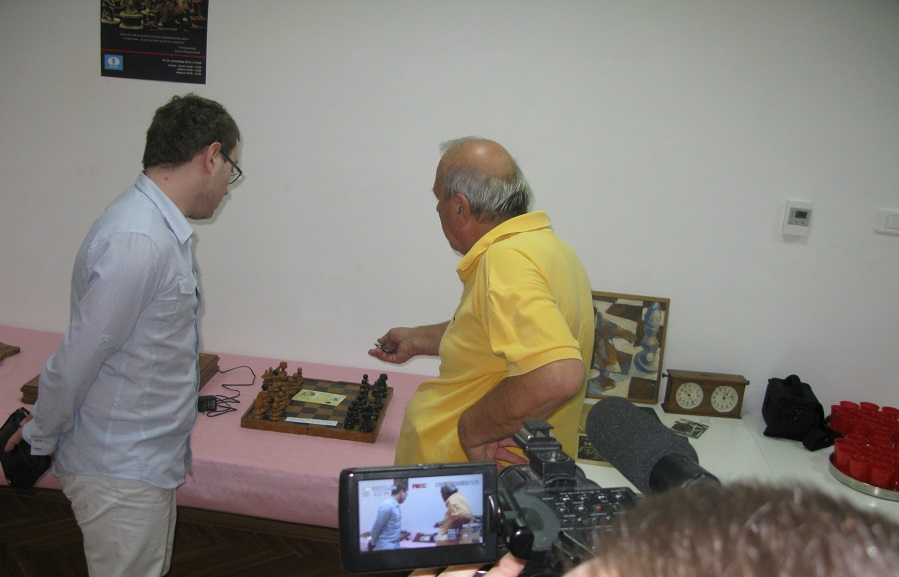 Отворена изложба раритетних шаховских гарнитура